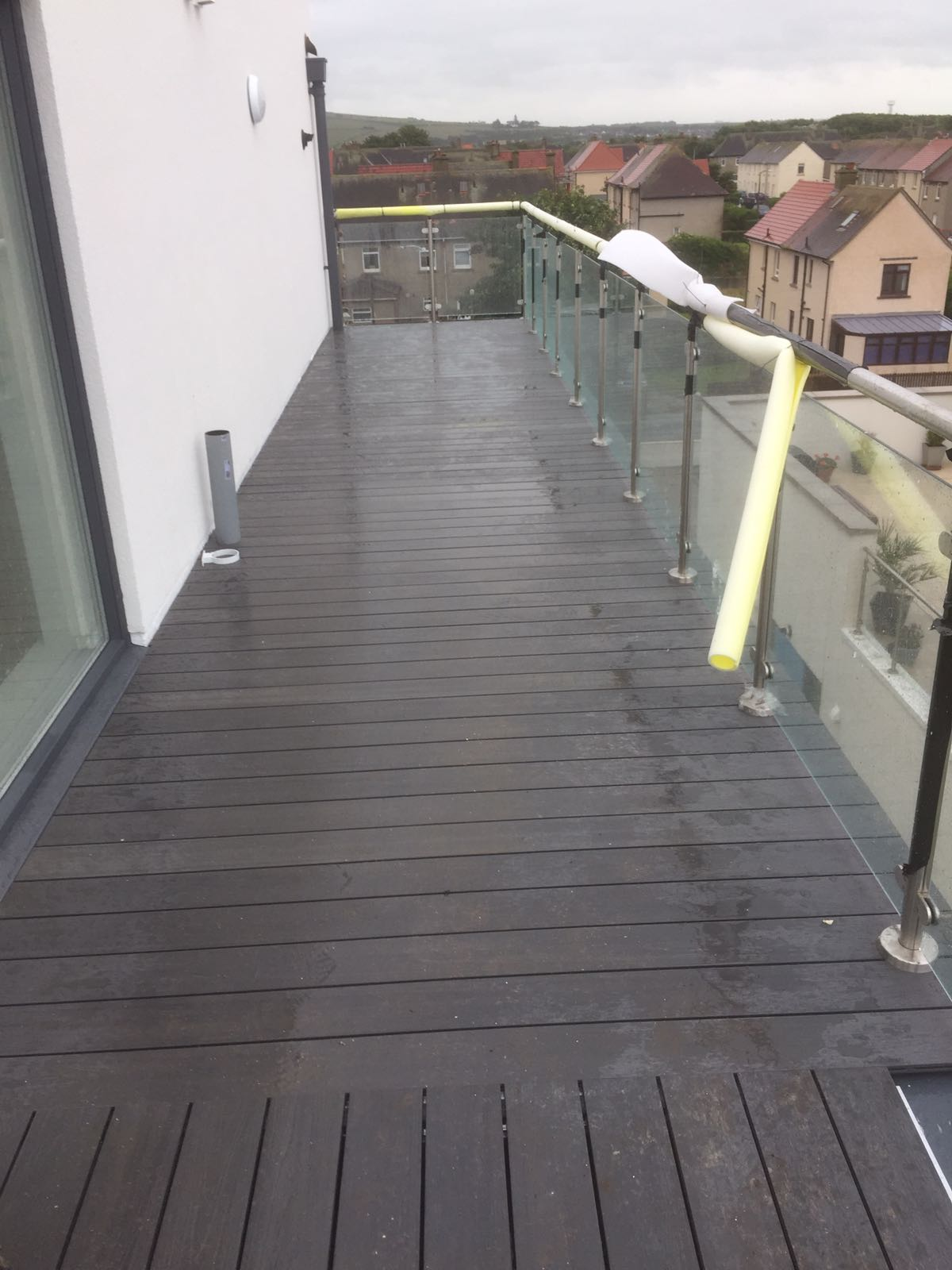 composite decking on aluminium